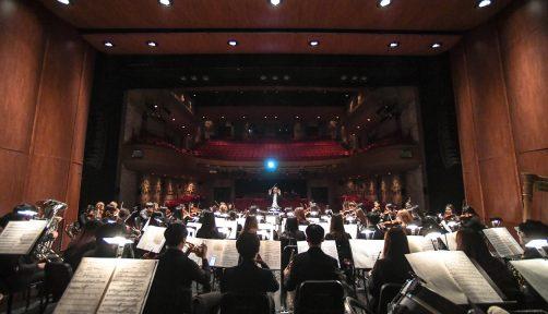 매년 여름 클래식 음악 애호가들을 설레게 하는 서울시유스오케스트라가 올해는 〈썸머 페스티벌〉로 돌아왔다.