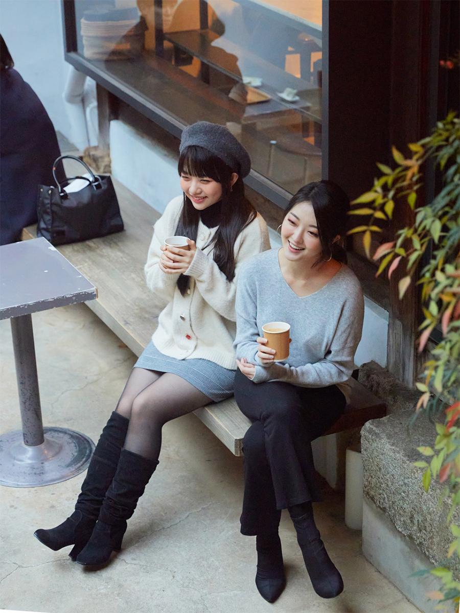 2006년 세종문화회관 대극장에서 '애니'를 연기하던 두 소녀가 뮤지컬 〈작은 아씨들〉의 '에이미'로 돌아왔다.