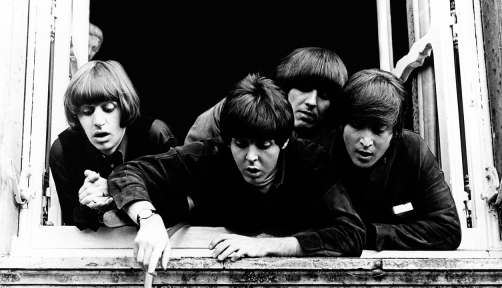 음악 혁명을 몰고 온 전설적인 록 밴드 비틀즈가 세종문화회관으로 온다. 사진전으로 만나는 그들의 이야기.