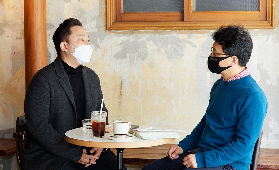강사로 나선 에이콤 윤홍선 대표와 박병성 국장이 한국 뮤지컬을 말한다.