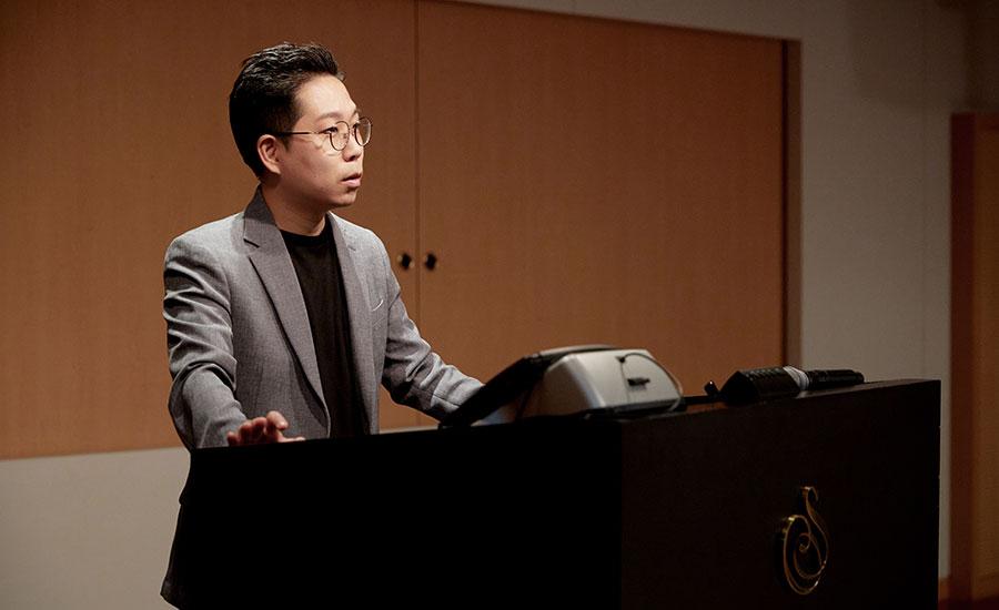 세종예술아카데미 여름특강에서 근현대미술사를 재미있게 안내해주는 '아트 네비게이션' 강의를 맡은 김찬용 전시해설가를 만났다.